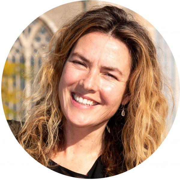 Elena Carmona van Loon spreker prestatiedruk bij leerlingen